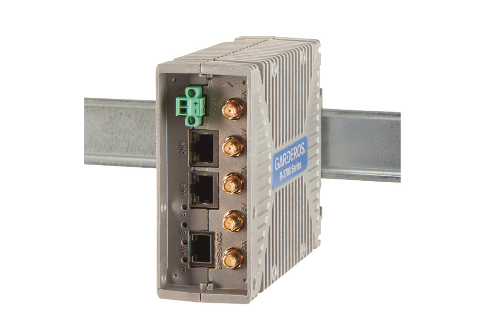 R-3700 Series router